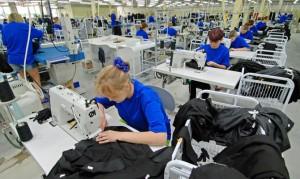 Выйти России из кризиса поможет швейное производство